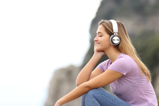 Spoznajte 4 pozitivne posledice, ki jih ima glasba na vas