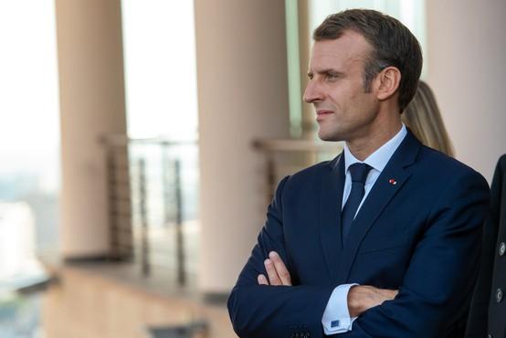 V Franciji ukinjajo številne ukrepe; Macron: V državo se vrača življenje