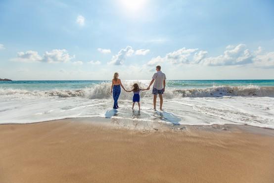 Kako preseči (nefunkcionalne) družinske vzorce, prepričanja in travme ter stopiti na svojo pot?