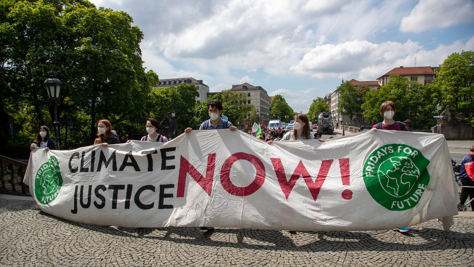 Greta Thunberg se je s protesti za prihodnost vrnila pred švedski parlament (foto: profimedia)