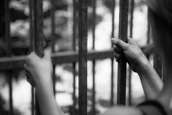 V Italiji aretirali Romuna, povezanega z ubojem 39 vietnamskih migrantov, ki so se zadušili v tovornjaku