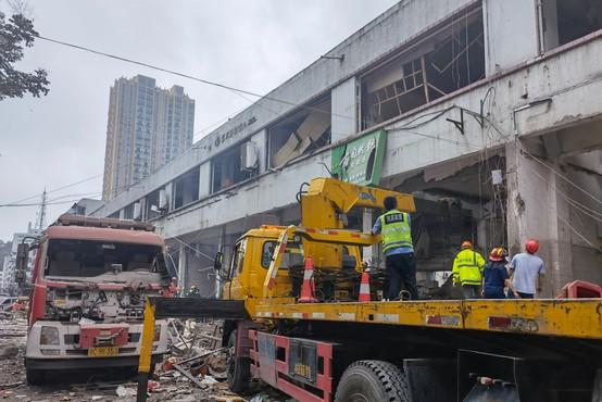 Eksplozija plina v stanovanjski soseski kitajskega mesta Shiyan vzela najmanj 12 življenj