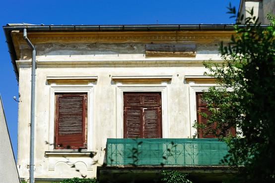 V hrvaški vasi prodajajo stare hiše za eno kuno