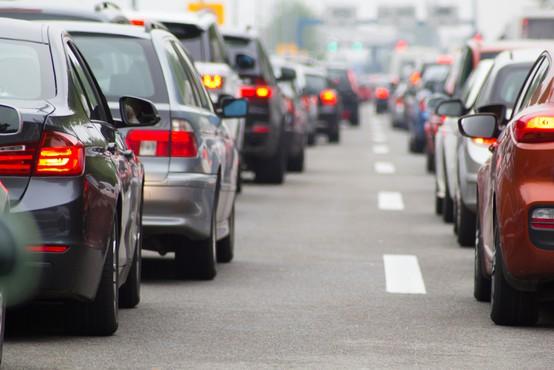 Slovenci imamo radi avtomobile, saj se je v 30 letih število registriranih vozil skoraj podvojilo