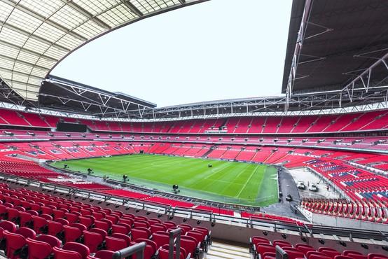 Stadion Wembley bo za finale eura gostil največjo britansko množico ljudi po več kot 15 mesecih