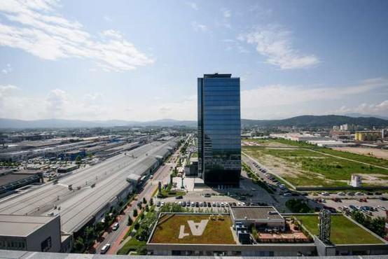 Slovenija ne spada med države z neštetimi stolpnicami, vendar tudi naša država počasi raste v višino