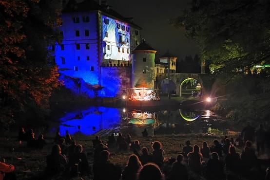 Plavajoči grad 2021: mednarodni festival od 22. do 25. julija na Gradu Snežnik