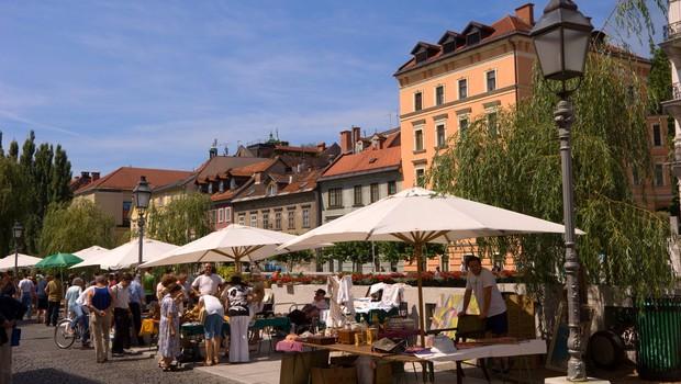 V četrtek v Sloveniji potrdili 88 okužb s koronavirusom, umrla dva covidna bolnika (foto: profimedia)