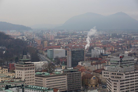 Maribor z zmerno, Ljubljana z visoko onesnaženostjo zraka
