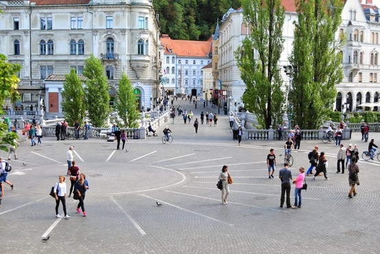 Letos 30 let praznuje 24.111 prebivalcev Slovenije