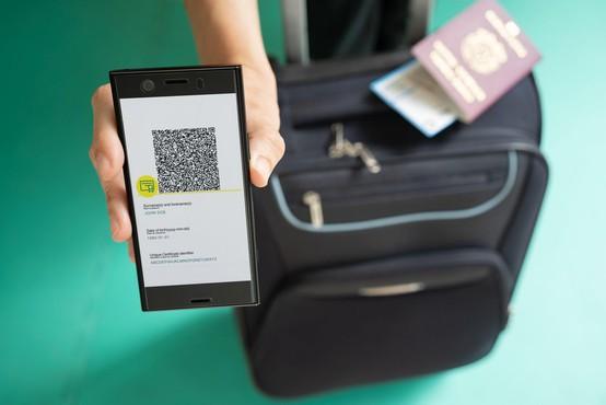 Digitalno covidno potrdilo ni potovalni dokument, omogoča pa lažje prehajanje meje