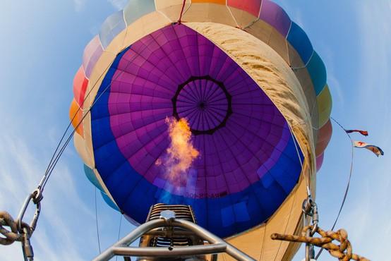 Nesreča z balonom v ZDA vzela življenje vsem štirim potnikom in pilotu
