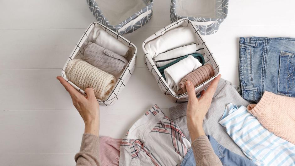 Tipičen problem 'polna omara oblačil, a nič za obleči' (in kako ga učinkovito rešiti) (foto: Profimedia)
