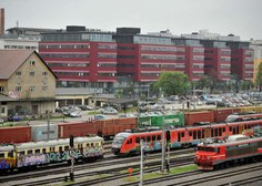 Ministrstvo uvaja družinske in skupinske vikend vozovnice za avtobusni in železniški promet
