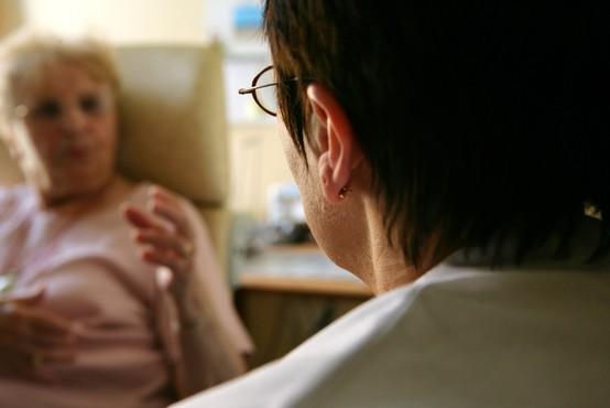 Covid pacienti po akutni fazi zdravljenja v bolnišnici potrebujejo pomoč kliničnih psihologov