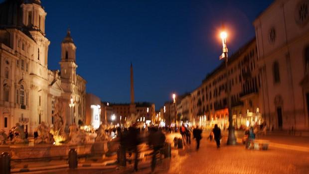 Rim z omejeno prodajo alkohola proti neprimernemu nočnemu veseljačenju (foto: profimedia)