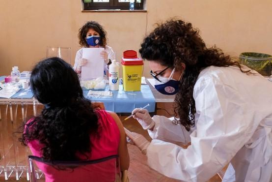 Italijanske medicinske sestre sprožile postopek za odpravo obveznega cepljenja
