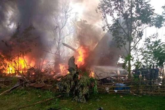 Nesreča vojaškega letala s 96 ljudmi na krovu na filipinskem otoku Jolo