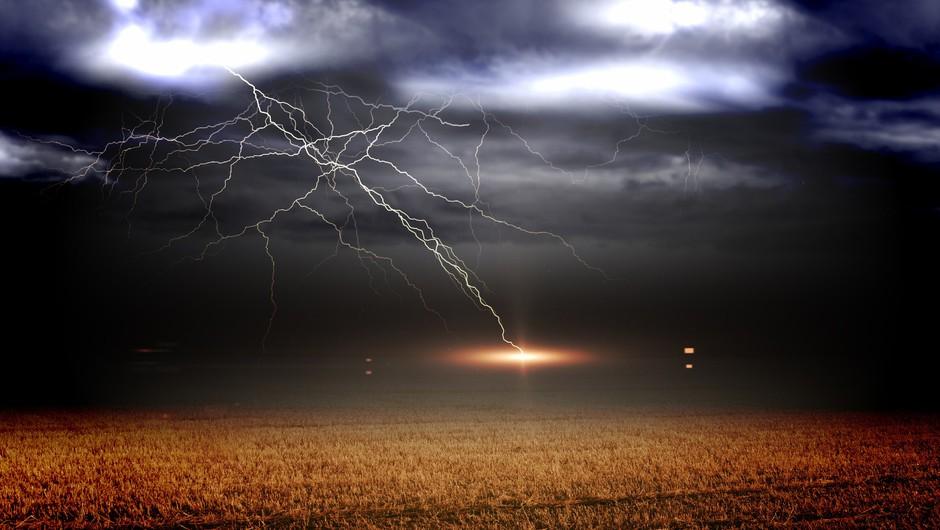 5 stvari, ki jih lahko naredimo, ko se v nevihti znajdemo v dosegu strel (foto: profimedia)