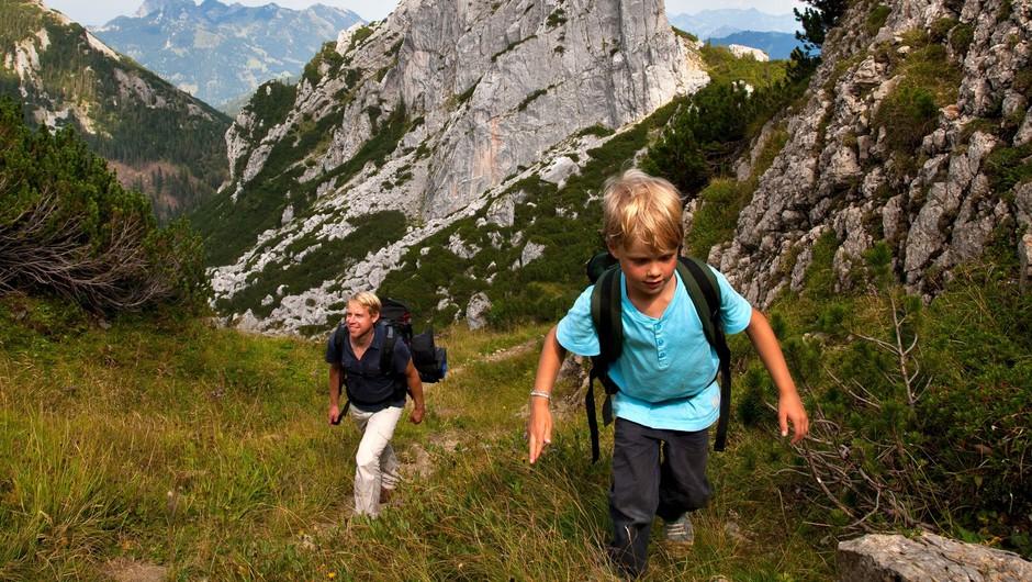 V gorah vse več reševanj nepoškodovanih pohodnikov, ki zaidejo ali nimajo ustrezne opreme (foto: profimedia)