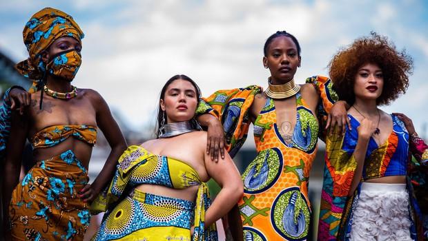 """Razstava o afriški modi v londonskem muzeju Viktorije in Alberta želi """"dekolonizirati"""" črno celino (foto: profimedia)"""