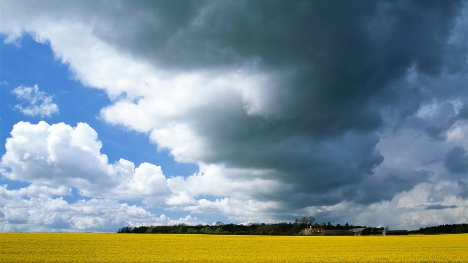 V torek bo sončno in vroče, ponoči pa nas bo prešla hladna fronta z nevihtami (foto: Profimedia)