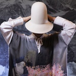Print avba: Tina Dobrajc, model: Maruša Majer (foto: Sanja Grcić)