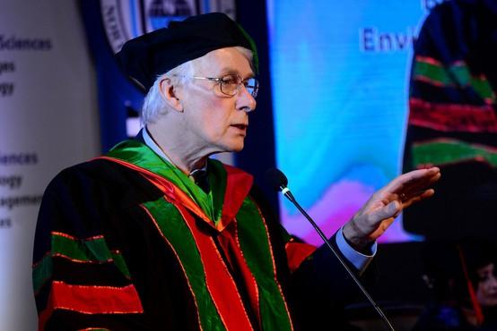 """Dr. Richard Roberts: """"Kdor želi pokazati svojo nevednost, naj se pač ne cepi."""""""