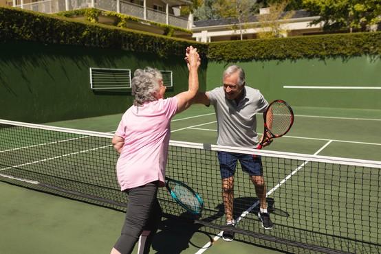 Leonid Stanislavski je pri 97 letih najstarejši amaterski teniški igralec na svetu