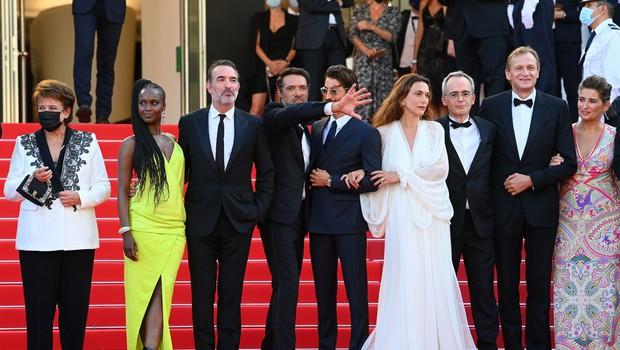 Glavna nagrada filmskega festivala v Cannesu filmu Titan režiserke Julie Ducournau (foto: profimedia)