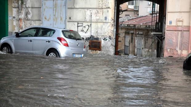 Poplave prizadele še Avstrijo in Bavarsko, težave tudi v Italiji (foto: profimedia)