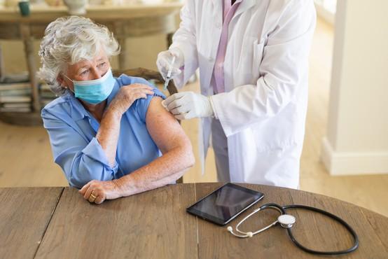 EU zavzela prvo mesto na svetu pri cepljenju z enim odmerkom