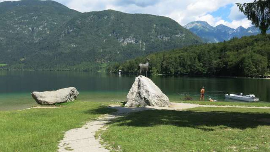 V Sloveniji ima status kopalne vode več kot 40 lokacij (foto: Tinkara Zupan/STA)