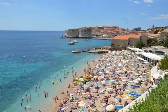 Na Hrvaškem razmišljajo o vnovični zaostritvi protikoronskih ukrepov