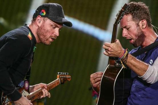 Skupina Coldplay oktobra z novim albumom Music of the Spheres