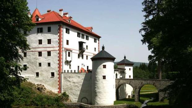 Na gradu Snežnik začetek največjega Plavajočega gradu doslej (foto: Daniel Novaković/STA)