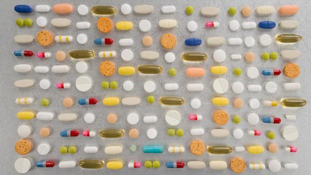Zdravila za holesterol in krvni pritisk zmanjšujejo tveganje smrti zaradi covida (foto: profimedia)