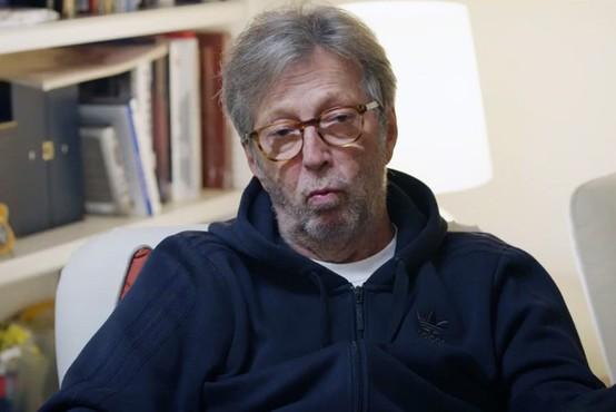Clapton zaradi diskriminacije ne bo nastopil na koncertih z zahtevo po potrdilu o cepljenju