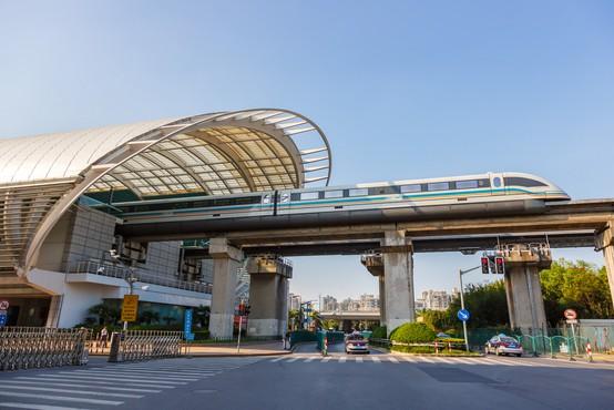 Kitajci končali najhitrejši magnetni vlak na svetu, zmožen hitrosti 600 km/h