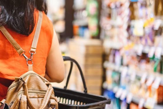 Sindikat delavcev trgovine: Test strošek delodajalca, testiranje všteto v delovni čas