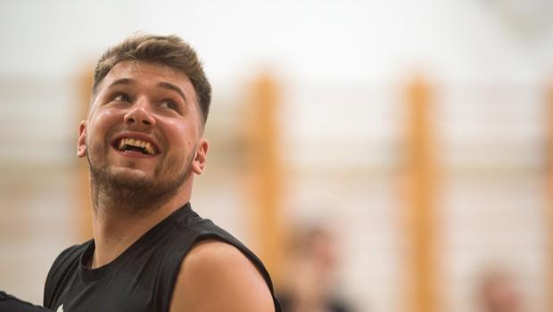 """""""Dončić je sonce, njegovi soigralci pa planeti, ki krožijo okoli njega!"""" (foto: profimedia)"""