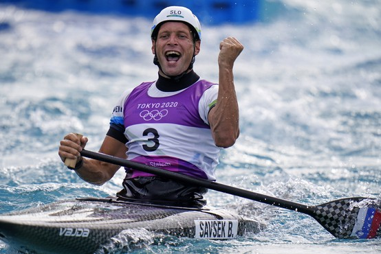 Kanuist Savšek prepričljivo do olimpijskega zlata v slalomu