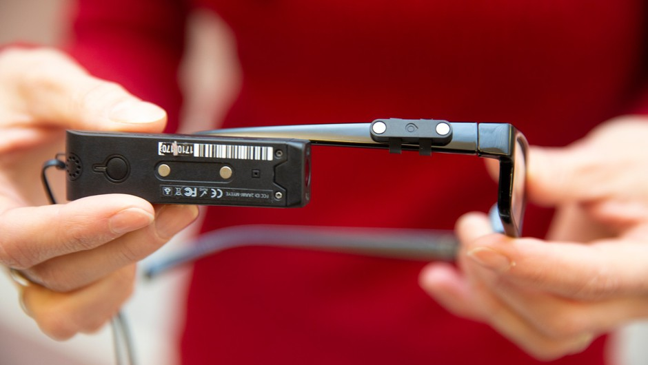 V Avstrijski narodni knjižnici slepim berejo pametna očala (foto: profimedia)