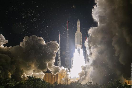 Raketa Ariane 5 ponesla v vesolje napredni telekomunikacijski satelit