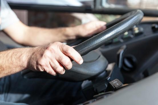 Utrujeni in zaspani poklicni vozniki so resen problem, tudi v Sloveniji