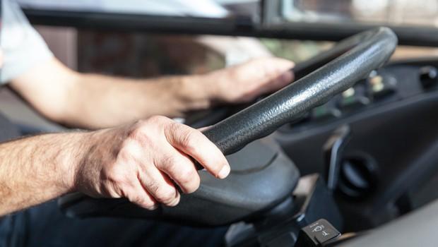 Utrujeni in zaspani poklicni vozniki so resen problem, tudi v Sloveniji (foto: profimedia)