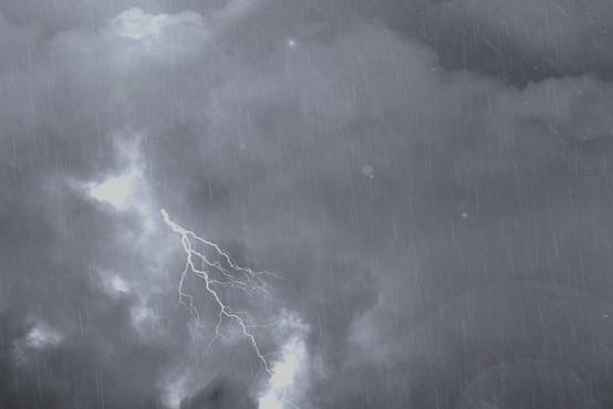 Ves dan so možna krajevna neurja z močnimi nalivi in sunki vetra