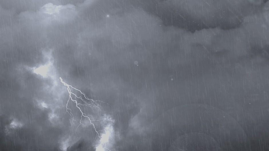 Ves dan so možna krajevna neurja z močnimi nalivi in sunki vetra (foto: profimedia)