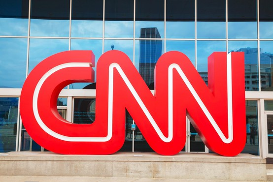 Na televizijski mreži CNN trije zaposleni ob službo, ker so prišli na delo necepljeni