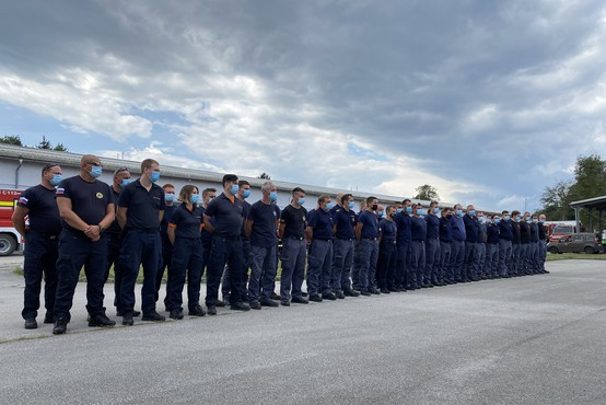 Slovenski gasilci preprečili, da bi se požar razširil na minsko polje